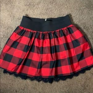 Red plaid pleated mini skirt